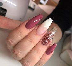 Gradient Nails Art Tutorial: How to Do Gradient Glitter Nails Gorgeous Nails, Love Nails, Pretty Nails, My Nails, Pink Nails, Magenta Nails, Uv Gel Nails, Perfect Nails, Beautiful Gorgeous