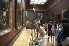 Chaque Année le Louvre accorde 250 Autorisations à des Artistes pour copier le Chef-d'œuvre de leur Choix (9)