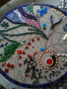 Landhaus Blog - Einrichtungsideen und Landhausstil Möbel : Mosaiktisch selber machen: Anleitung mit Video und Bildern