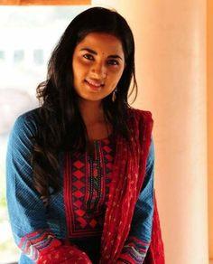 Srushti Dange Family Images, Tamil Movies, Movie List, Biography, Saree, Fashion, Sari, Moda, La Mode