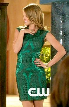 90120 Style and Fashion: AnnaLynne McCord as Naomi Clark wears a Alexander McQueen Mixed Jacquard Wool Knit Dress on the CW 90210 Season 5, Episode 3 Its all fun and Games