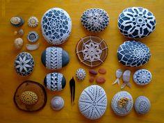 Brin de fantaisie: Recouvrir une pierre au crochet