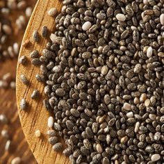 Wondering if you should add chia seeds to your diet? We give you 10 reasons why you should start eating chia seeds today. Omega 3, Healthy Foods To Eat, Healthy Recipes, Healthy Protein, High Protein, Delicious Recipes, Nutrition, Plant Protein, Best Breakfast Recipes