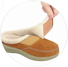 Slippers With Arch Support, Brown Slippers, Foot Pain Relief, Womens Clothing Stores, Womens Slippers, Comfortable Shoes, Soft Leather, Charlotte, Plantar Fasciitis