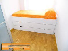 Habitación Infantil muy pequeña para compartir. Cama nido doble con cajón. Proyecto a medida de fusteriamanel.com