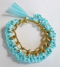 0793cab2f3e3a8030ff21e9a73cc1a19--crochet-jewelry-patterns-crochet-jewellery.jpg (270×300)