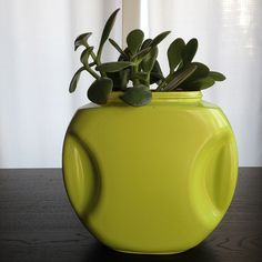 How-To on Metro Parent: Upcycle a detergent pod container into a retro-looking planter.
