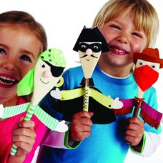 Wooden spoon puppets to make for kids Projects For Kids, Diy For Kids, Craft Projects, Crafts To Do, Crafts For Kids, Wooden Spoon Crafts, Wooden Spoons, Pirate Crafts, Ideias Diy