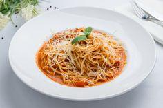 Spagetti, Japchae, Pizza, Ethnic Recipes, Food, Essen, Yemek, Meals