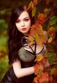 Beautiful Girl like Fashition Hot Goth Girls, Gothic Girls, Gothic 1, Goth Beauty, Dark Beauty, Gothic Fashion, Dark Fashion, Steam Punk, Gothic Looks