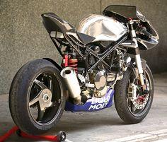 RAD 02 Wildcat by Radical Ducati | Moto Rivista