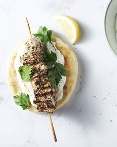 The original Greek souvlakia Dutch Recipes, Turkish Recipes, Greek Recipes, Calamari, Grilling Recipes, Cooking Recipes, Healthy Recipes, How To Cook Lamb, Greek Cooking