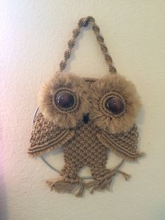 Handmade Macrame Owl is a beautiful decoration for any home. Hemp Crafts, Yarn Crafts, Macrame Patterns, Crochet Patterns, Macrame Owl, Handmade Art, Handmade Gifts, Macrame Projects, Hand Crochet