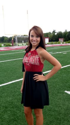 DIY college dress. I am so doing this :)