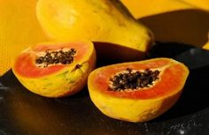 Benefits of papaya for skin, face, wrinkles and acne are awesome. 9 DIY recipes are included in this article. Facial benefits of papaya can't be ignored. Papaya Benefits, Fruit Benefits, Health Benefits, Papaya For Skin, Home Remedies, Natural Remedies, Holistic Remedies, Facial Benefits, Baby Puree