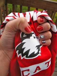 I just painted my nails and they look AMAZING. #NIU #GoHuskies @Gretchen Burke Illinois University