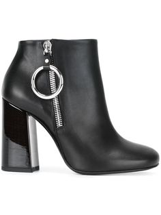 MCQ BY ALEXANDER MCQUEEN varnished heel ankle boots. #mcqbyalexandermcqueen #shoes #boots