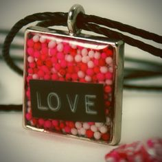 Beautiful cake sprinkles Valentine's Day jewelry DIY ...modify this a bit and you can get some really cool jewlery out of it.