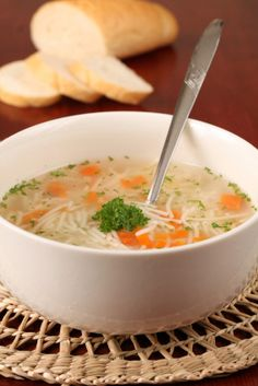 This is an easy to cook vegetarian soup. It is also very healthy and full of vitamins and minerals. Vegetarian Noodle Soup, Vegetable Noodle Soup, Vegetarian Cooking, Cooking Recipes, Healthy Recipes, Meals Without Meat, Clean Eating, Healthy Eating, Baked Roast