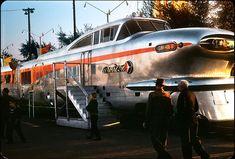 El aerotren, con diseño aerodinámico, fabricado por General Motors Electro-Motive en 1950