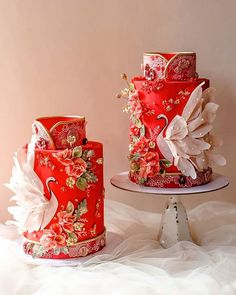 Make sure to include these 5 traditional elements in your Chinese wedding decorations. Read our ultimate guide to help you buy the best Chinese wedding decor for your banquet. Beautiful Cake Designs, Beautiful Wedding Cakes, Gorgeous Cakes, Pretty Cakes, Cute Cakes, Amazing Cakes, Wedding Cake Prices, Wedding Cake Designs, Themed Wedding Cakes