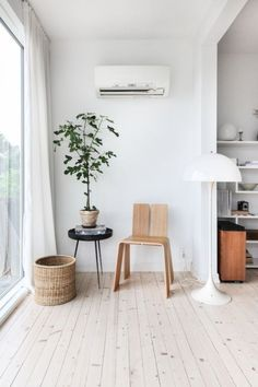 my scandinavian home: A Beautifully Pared-back Norwegian Hillside Home Scandinavian Home Interiors, Scandinavian Furniture, Interior Design Tips, Interior Decorating, Design Ideas, Interior Ideas, Decorating Tips, Design Trends, Pretty Things