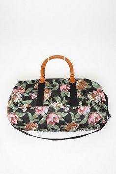 quilted floral weekender bag // kimchi blue