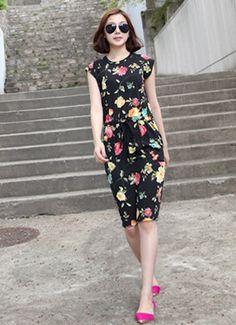 Pretty floral dress!
