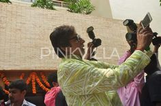 Megastar Amitabh Bachchan celebrates birthday with media! | PINKVILLA