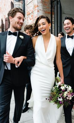 Leave the wrangling to us. Simplify your wedding with online order management and groomsman progress tracking. Every order is guaranteed to fit and shipping is free - both ways. All online, delivered to your door.