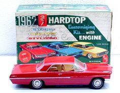 AMT Pro Built & Painted RED '62 Pontiac Bonneville Plastic model Car 1/25 w Box #AMT