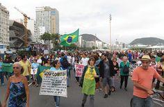 Manifestantes marcham em Copacabana contra Dilma, PT e Foro de São Paulo | #Ato, #Auditoria, #BrunoMenezes, #Copacabana, #DiaDaRepública, #DilmaRousseff, #Eleições, #ForoDeSãoPaulo, #Impeachment, #LavaJato, #Lula, #Manifestação, #Manifestantes, #Marcha, #Petrolão, #Protesto, #PT, #RioDeJaneiro, #Smartmatic, #UrnaEletrônica