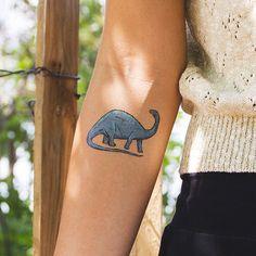 apatosaurus temporary tattoo from tattly