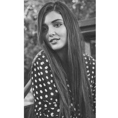 Beautiful Suit, Most Beautiful Women, Hande Ercel, Foto Instagram, Turkish Beauty, Stylish Girl Pic, Girls Dpz, Celebs, Celebrities