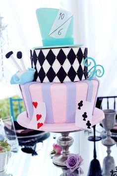Sweet Style Icons {A Look Back at the Cakes that Made Our Best-Dressed List}