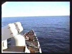 Lancering van een NATO Seasparrow raket tegen luchtdoelen door een Standaard fregat van de Koninklijke Marine. Waarschijnlijk in het jaar 2000.