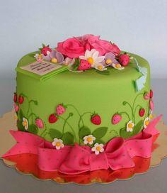 Общото между тортите , които ще ви представя днес е, че и трите са поръчани от дъщери за рождените дни на техните майки. И трите ми позволи...