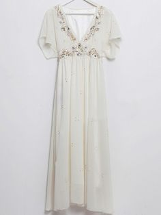 SheInside : White Sequined V-shape Collar Batwing Sleeve Chiffon Dress $92.11 - This is literally beautiful.