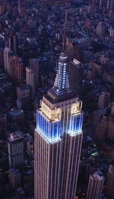 empire state building in blue nad white for israel 64th birthday