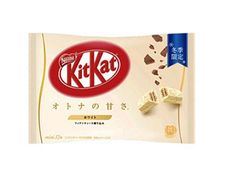 Chocolate Wafers, White Chocolate, Kit Kat Flavors, Japanese Kit Kat, Buttered Corn, Anime Store, Biscuit Mix, Whole Milk Powder, Anime Merchandise