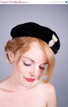 50 OFF STOREWIDE SALE.. 1930s hat . 30s black silk by coralvintage, $27.00