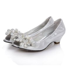 Wearing Low Heeled Wedding Shoes In Outdoor Wedding Occasion