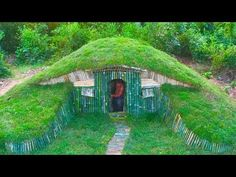 A Small Hill become Beautiful Underground House Build by a Men - Hobbit House ( Full ) Underground Building, Underground Homes, Crazy Houses, Tiny Houses, Sustainable Architecture, Contemporary Architecture, The Hobbit, Hobbit Hole, Mushroom House