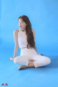 April - Naeun feet r/kpopfeets Kpop Girl Groups, Korean Girl Groups, Kpop Girls, April Kpop, Girl Bands, China, Korean Celebrities, Hey Girl, Beautiful Asian Women