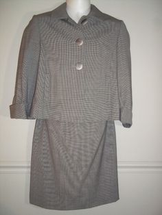 34.64$  Watch now - http://vicxx.justgood.pw/vig/item.php?t=6yfhjr41715 - Tahari by Arthur S Levine Brown Plaid Pleated Skirt Suit Career Lined Size 6