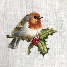Embroidered Robin on Holly Flower Embroidery Designs, Creative Embroidery, Embroidery Patterns Free, Hand Embroidery Stitches, Thread Painting, Christmas Embroidery, Embroidered Bird, Needlework, Learning To Embroider