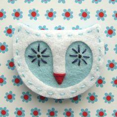 White Owl - felt brooch