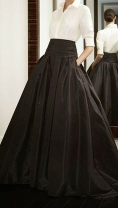 Carolina Herrera.... Would love to dress this way every day. ..