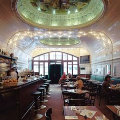 Restaurant Café Paris in der Innenstadt - Hamburg Restaurant Hamburg, Hamburg City, Hamburg Germany, Places Around The World, Travel Around The World, Around The Worlds, Europe Bucket List, Coffee Places, Paris Photos