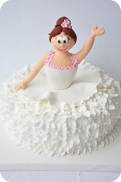 #Cute #Ballerina #Cake We totally love and had to share! Great #CakeDecorating!